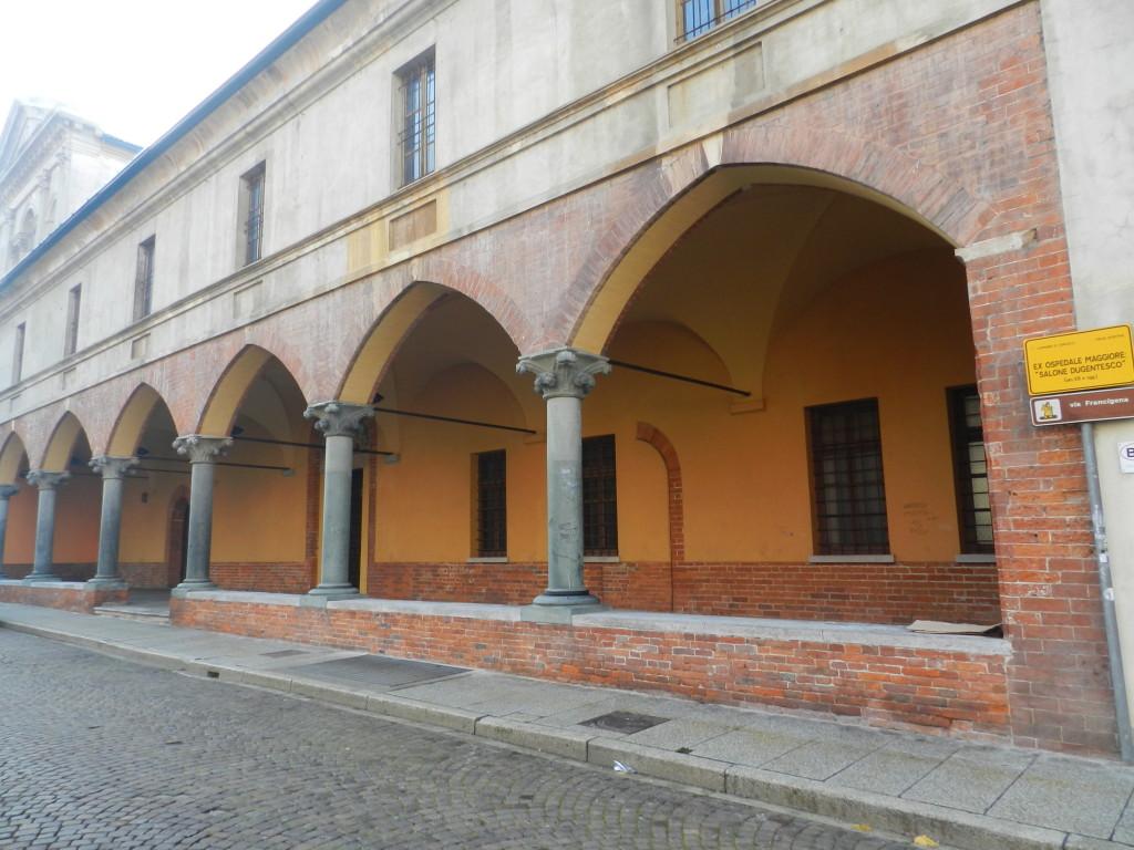 La facciata duecentesca dell'antico ospedale