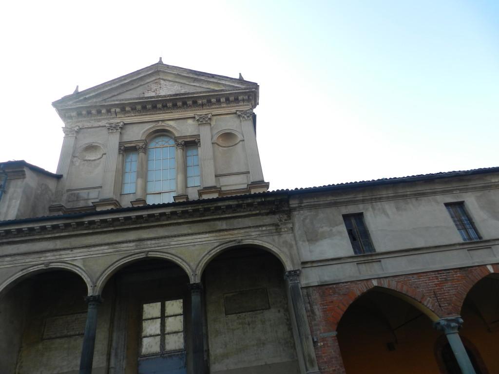 La facciata cinquecentesca dell'antico ospedale