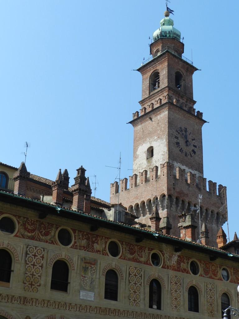 La torre del Bramante, nella piazza Ducale di Vigevano