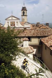 In bici nel Monferrato, a Crea