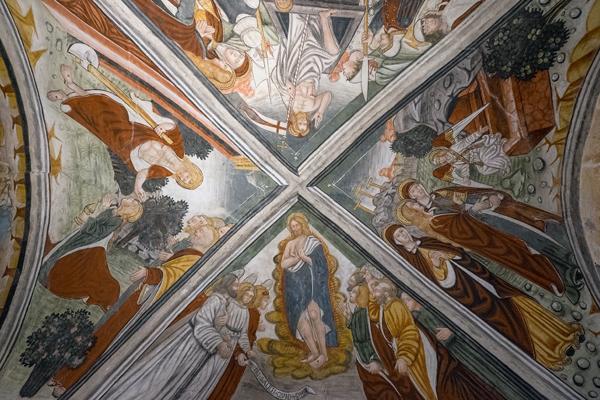 Chiesa dei Santi Pietro e Paolo a Castellengo (BI), particolare delle volte affrescate (Foto: G. P. Marchiori)