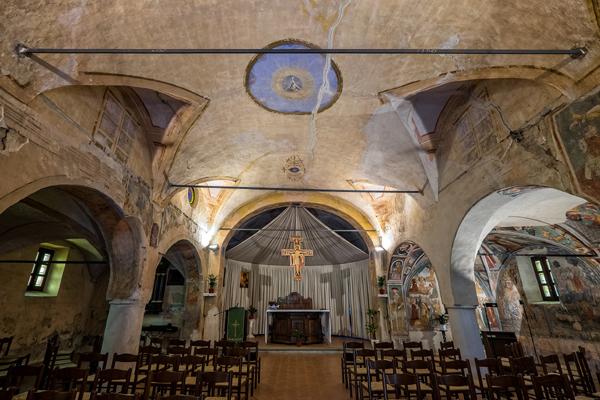Chiesa dei Santi Pietro e Paolo a Castellengo (BI), interno (Foto: G. P. Marchiori)