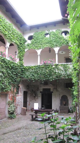 Nel ricetto-castello di Ghemme (Novara)