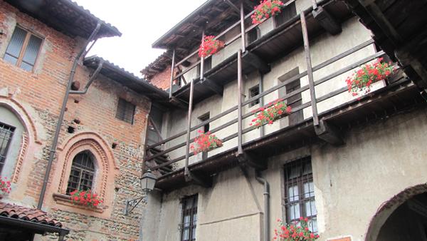 L'interno del ricetto-castello di Ghemme (Novara)